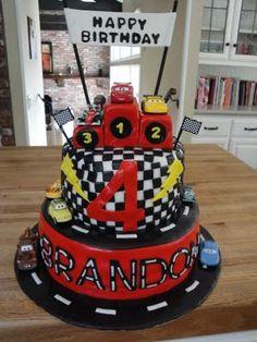 Lightning McQueen (Cars 2) Cake - http://www.cakesbynathalie.com/2011/07/lightning-mcqueen-cars-2-cake.html