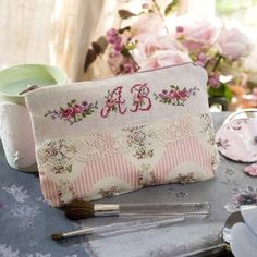 Lin: Kit Monceau flat embroidery cross stitch