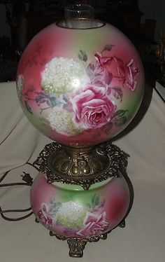 Lovely Large Victorian Kerosene Gwtw Gone With The Wind Lamp W Painted Flowers