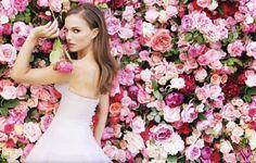 Natalie Portman voit la vie en rose pour Miss Dior !