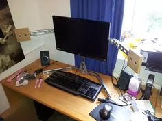 Homemade Monitor Stand - Imgur Best Mac, Monitor Stand, Cheap Apartment, Awesome Bedrooms, Dorm Rooms, Cool Things To Make, Living Area, Diy Gifts, Diy Projects