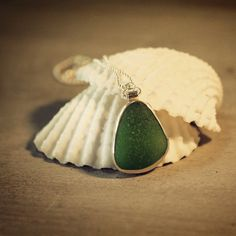 Kelly green sea glass pendant #sea glass beads & #sea charms: http://www.ecrafty.com/c-780-sea-glass-beads.aspx?pagenum=1===newarrivals=60