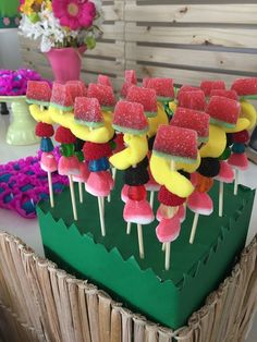 Tropical Party- Decoration Ideas And Inspirations fes . - Tropical Party- Decoration Ideas And Inspirations tropical party - Fruit Birthday, Hawaiian Birthday, Flamingo Birthday, Flamingo Party, 2nd Birthday Parties, Flamingo Cake, Birthday Celebration, 30th Birthday, Kids Luau Parties