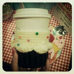 Cup holder! This is so cute when delivering a happy birthday cup of coffee!!