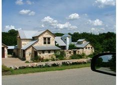 Rustic French-country style mansion ranch home in Montserrat outside Fort Worth, Texas. Texas Ranch Homes, Ranch Style Homes, Hill Country Homes, Country Style Homes, Barn House Plans, Country House Plans, Rustic French Country, Rustic Style, Modern Farmhouse