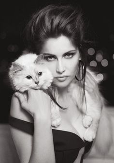 "Laetitia Casta & Choupette Lagerfeld in ""Glamour Puss"" by Karl Lagerfeld for V Magazine Laetitia Casta, Karl Lagerfeld, V Magazine, Magazine Editorial, Crazy Cat Lady, Crazy Cats, Karl Otto, Tv Movie, Shooting Photo"