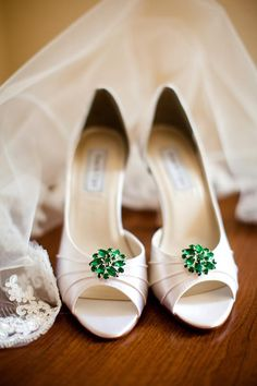 Emerald green jewel accent on wedding shoes
