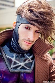 """ Gambit. THIS is what he looks like, not that douchey jock guy from that movie."" My sentiments exactly Gambit Cosplay, Male Cosplay, Epic Cosplay, Amazing Cosplay, Geeks, Halloween Cosplay, Halloween Costumes, Anime, Rogue Gambit"