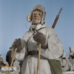 Finnish ski patrol men in lake of Ääninen, near Suurlahti. Ww2 History, Military History, Bad Boy Style, German Soldiers Ww2, Types Of Jackets, Men's Jackets, Scandinavian Art, World War Two, Boy Fashion