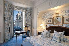 blue & white in Hotel de Paris