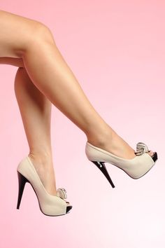 Pinup Couture - Lolita plateau pump Beige faux suede