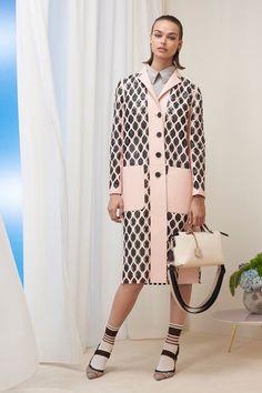 Fendi Pre-Fall 2018 Fashion Show Collection
