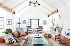 Peruse our top 15 Homepolish home tours of 2015, designed by Homepolish designers around the country.