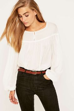 Kimchi Blue Meghan Ivory Blouse - Urban Outfitters
