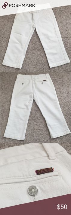 """7 For All Mankind • Crop Pants Crop pants in great condition. No stains. Only worn a handful of times. Material white jean. 26"""" Long 7 For All Mankind Jeans Ankle & Cropped"""