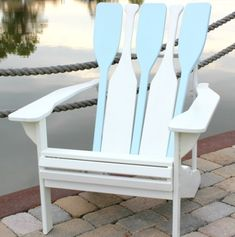 Adirondack Beach Chairs - The Perfect Summer Chairs Coastal Homes, Coastal Living, Coastal Decor, Lake Cottage, Cottage Style, Coastal Cottage, Arte Pallet, Deco Marine, Haus Am See