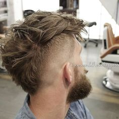 mensworldherenkappers_Vcut neckline wide mohawk messy hair men