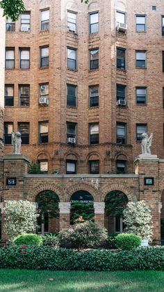 Brooklyn Neighborhoods: Everything you need to know about the traditional neighborhood of Kensington. Kensington Brooklyn, Kensington Apartment, Brooklyn Neighborhoods, Nyc Real Estate, Prospect Park, Townhouse, New York City, The Neighbourhood, Queens