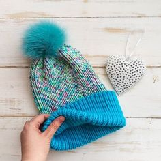 Мягчайшая шапка из пряжи норки и мериноса супервош, помпон натуральный съемный. ОГ 56-60, 1500р. #вяжутнетолькобабушки #шапкаспомпоном #шапкаиснуд #шапкаспицами #шапкаскосами #шапкаснуд #ch_knitting #вяжутнетолькобабушкиноимамочки #покаребенокспит #вместетеплее #согрейся #ручнаяработа #handmade #теплорук #вяжупомаленьку #knitting #knittinglove #knittagram #горшочеквари #ч_есть #холодно #нехолодно