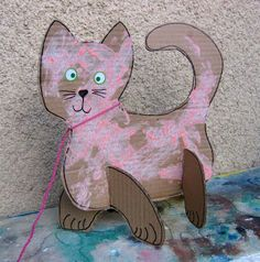 could use this construction style to make any kind of structure or animal. cardboard art project – cat - New Site Art Activities For Kids, Creative Activities, Creative Kids, Cat Crafts, Animal Crafts, Diy For Kids, Crafts For Kids, Toddler Art, Cardboard Crafts