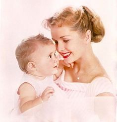 Debbie Reynolds with her baby girl Carrie Fisher.