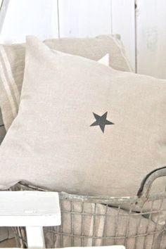 Coussin étoile pochoir