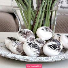 Декор, креатив, Пасха, черный, белый, чёрно-белая Пасха, чёрно-белые узоры, сочетание черного и белого, чёрно-белый декор, чёрно-белый праздник, яйца, как украсить яйца, пасхальные узоры, как украсить праздник, чёрный, белый, перья, украшение перьями