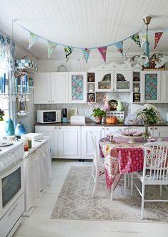 What a fun kitchen! Unelmien Talo & Koti