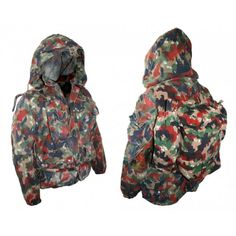 Swiss Alpenflage Heavyweight Parka with pack. One of best selling camouflage patterns. Used but great condition. Parka is made of a heavy cotton blend, zipper and snaps for the front, 4 big pockets, waterproof elbows, drawstring hood, elastic cuffs and a handy dandy small pack to match it all.
