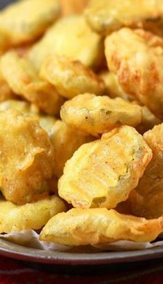 Most popular in the South, fried pickles are perfectly crunchy with just the right amount of tanginess. Made famous by Hooters restaurant, now you can enjoy your favorite fried pickles at home with our simple copycat recipe ready in a snap! Quick Appetizers, Finger Food Appetizers, Appetizer Recipes, Snack Recipes, Cooking Recipes, Appetizer Ideas, Protein Recipes, Potato Recipes, Vegetable Recipes