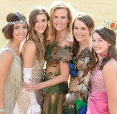 Duck Dynasty/Korie, Sadie,Bella,Mary Kate and Rebecca wearing Sadie's dancing with the stars costumes. Duck Dynasty Sadie, Duck Dynasty Family, Bella Robertson, Robertson Family, Duck Dynasty Costumes, Miss Kays, Beatiful People, Star Costume, Duck Commander