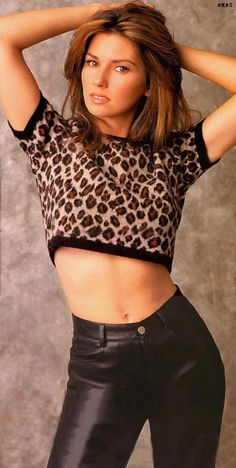 The sexiest Shania Twain pictures, including the hottest shots of one of the hot. The sexiest Shania Twain pictures, including the hottest shots of one of the hottest country singers ever. Regarded as one of the best aging celebriti. Beautiful Celebrities, Most Beautiful Women, Beautiful Eyes, Beautiful Pictures, Shania Twain Pictures, Divas, Country Music Singers, Country Artists, Hollywood