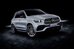 Mercedes-benz just spilled the beans on its brand-new 2020 gle revealing specs and pics of the luxury suv s latest and greatest bits and pieces. Mercedes Benz Models, New Mercedes, Touareg V8, Offroader, Mercedez Benz, Fancy Cars, Luxury Suv, Latest Cars, Cars