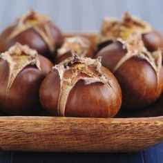 roasted chestnuts for christmas eve tradition Roasted Chestnuts, Fall Snacks, Vegetarian Recipes, Healthy Recipes, Cooking Time, Fall Recipes, Coco, Food Inspiration, Healthy Snacks