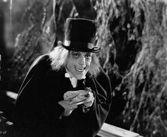 """""""'London After Midnight' starring Lon Chaney with his terrifying makeup! Monster Horror Movies, Classic Monster Movies, Turner Classic Movies, Classic Horror Movies, Classic Monsters, Horror Monsters, London After Midnight, Lon Chaney, Horror Icons"""