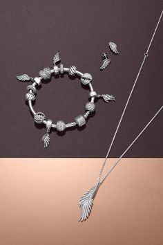PANDORA's Autumn collection 2015 is filled with amazing pieces inspired by elegant and floating feathers. #PANDORAbracelet #PANDORAearrings #PANDORAnecklace