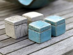 Sukima , a lovely collection of porcelain dishware and raku, from Denmark I discovered via April and May. Ceramic Boxes, Ceramic Clay, Slab Boxes, Clay Box, Sculptures Céramiques, Slab Ceramics, Raku Pottery, Keramik Vase, Pottery Classes