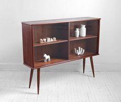 Mid Century Bookcase/Display case
