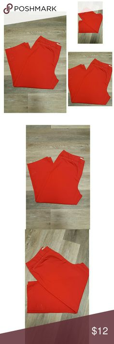 """Talbots Red Crop Pants This is a NWOT tags pair of true red crop pants by Talbots. 98% Cotton 2% Spandex  Clip and button closure, 2 side front pockets.  Cute white stitching at the top of front pockets.  Measures approximately  Waist 32"""" Inseam 22"""" Talbots Pants Ankle & Cropped"""