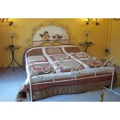 Wrought iron bed. Customize Realizations. 971