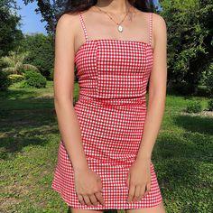 Retro flat small square strap dress