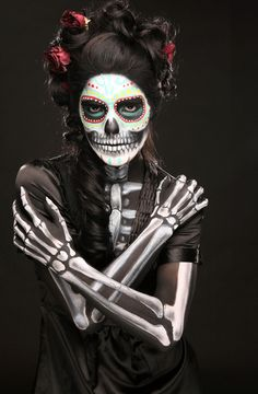 Absolutely ♥ the makeup on this woman.  Incredible airbrushing on her arms.