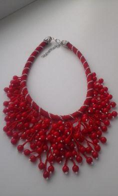 Вироби з бісеру. Схеми.   ВКонтакте Bead Jewellery, Handmade Jewellery, Beading Tutorials, Bead Art, Diy And Crafts, Crochet Necklace, Creativity, Chokers, Artists