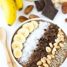 chocolate peanut butter smoothie bowl is perfect for breakfast or just like a dessert. The kids love it! Vegan Smoothies, Smoothie Recipes, Healthy Smoothie, Smoothie Bowl, Breakfast Bowls, Breakfast Recipes, Move Over, Cashew Recipes, Carob Recipes