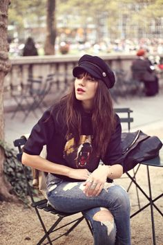 Cap baker (Rock 'n' Roll Style ☆ Natalie Off Duty) Street Style Vintage, Mode Vintage, Barett Outfit, Outfits With Hats, Cute Outfits, Cap Outfits For Women, Girly Outfits, Paris Fashion, Winter Fashion