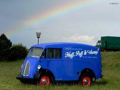 Morris J Type van Commercial Van, Step Van, Vanz, Panel Truck, Morris Minor, Thing 1, Vintage Vans, Blog Sites, Balloon Decorations
