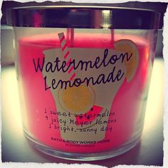 I love candles & this looks like it smells amazing!!