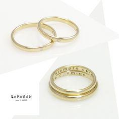 """dos anillos que comparten inscripción, dos vidas que se unen, en la de ella un diamante y en la de él un punto de oro blanco. Como en un mapa del tesoro ambos puntos señalan un acontecimiento importante en clave para los demás... os deseamos lo mejor chicos! ❤ ❤ ❤ gold and #diamonds #weddingring for her and yellow and white gold for him! Like a treasure map both ring have an """"x"""" mark... http://www.lepagon.com/catalogo-joyeria/"""