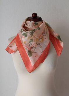 Vintage Scarf  Peach Scarf with Floral von PaperdollVintageShop, €7.90