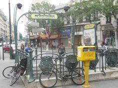 Le métro, à côté de chez moi...quand j'habitais à Paris.